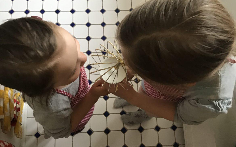 Elluyellow leipominen tytöt