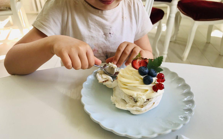 Elluyellow vierailemassa Ähtärin Vanha Pappila Hetkessä, gluteenittomat leivonnaiset