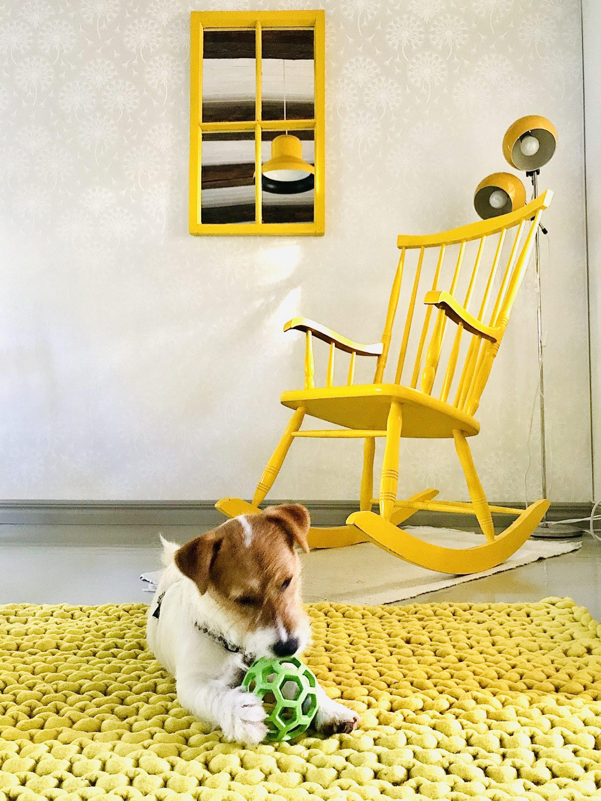 Elluyellow keltainen vintage koti ja Sukhi-matto