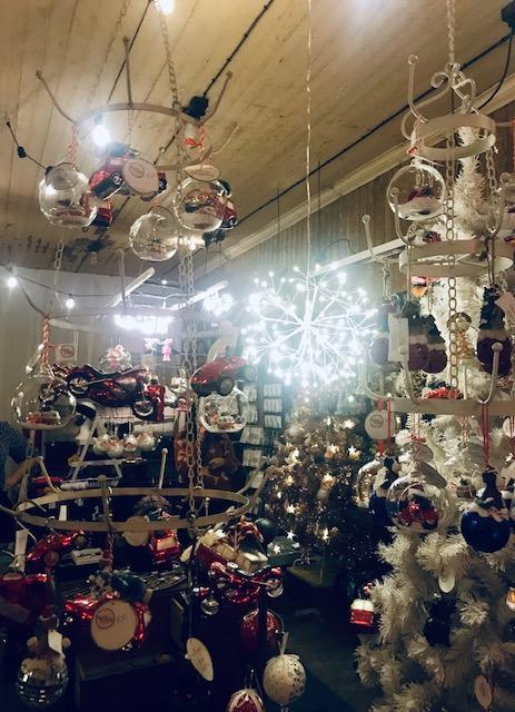 Elluyellow vierailemassa Tallipihan joulussa: kimaltava joulu